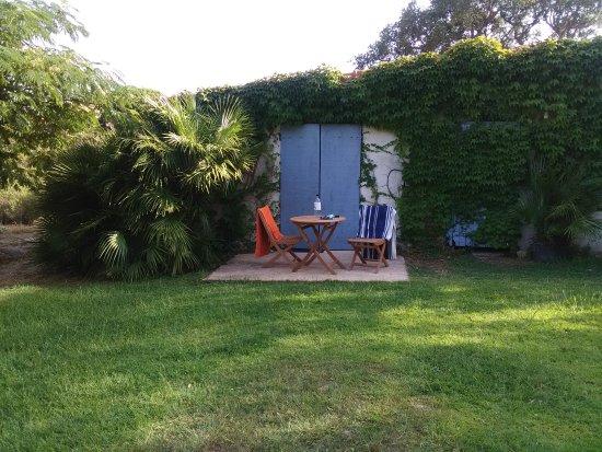 Pianottoli-Caldarello, Frankrig: La terrasse, la vue de la terrasse et l'entrée.