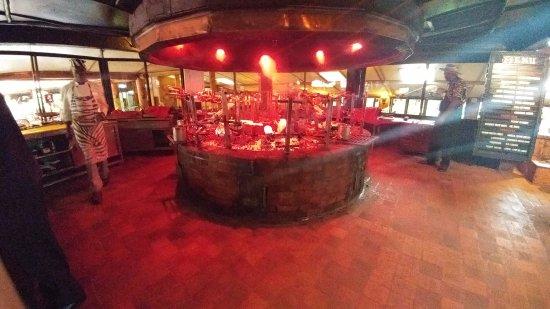 The Carnivore Restaurant: La parrilla