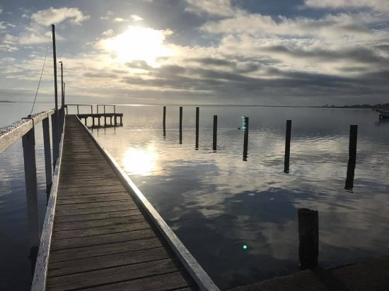 Eagle Point, Australia: Lake King Waterfront Private Jetty