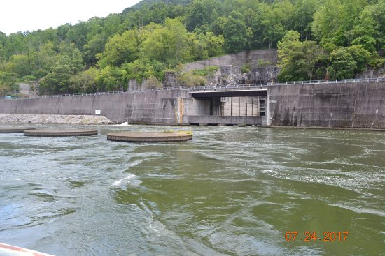 ‪Raccoon Mountain Dam‬