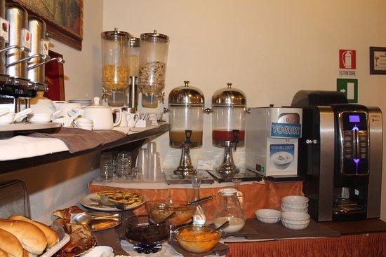 Pantheon Inn: The breakfast room