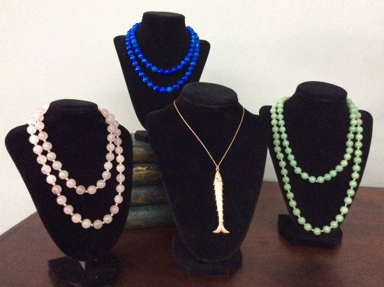 Easley, Carolina del Sud: Do you need the perfect estate necklace to complete your outfit?