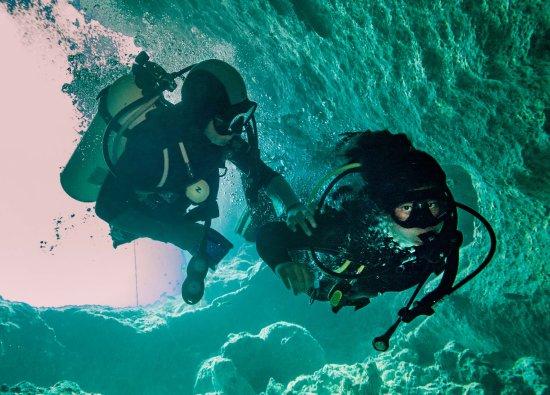 Dive Exuma: Angel's Fish Blue Hole