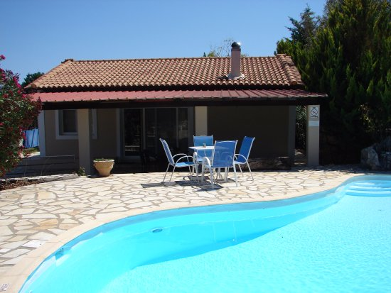 Meganisi Villas: uncovered seating