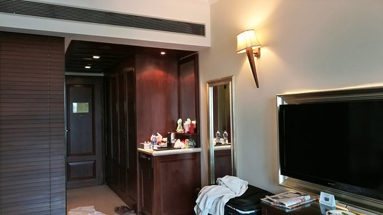 The Pllazio Hotel : IMG_20170804_080758_large.jpg