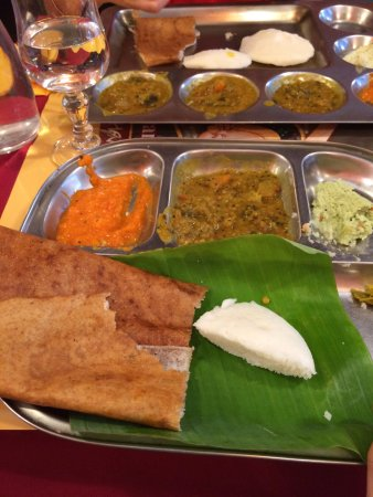 Krishna Bhavan: Idli and Dosa with the Chutneys