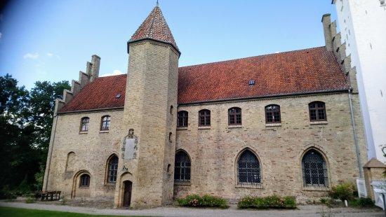 Klosterkaelderen Hvaelvede Kaeldre