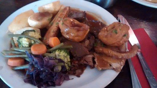 Cholderton, UK: Roast lamb platter