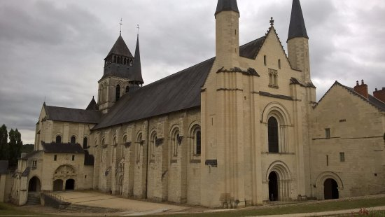 Fontevraud-l'Abbaye, France: abbatiale