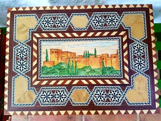 Artesania Del Arbol: Neceser con tintes naturales y la Alhambra pintada a mano
