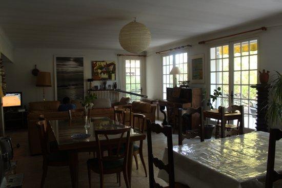 La maison blanche saint aygulf frankrig fritidshus for Auberge de la maison blanche
