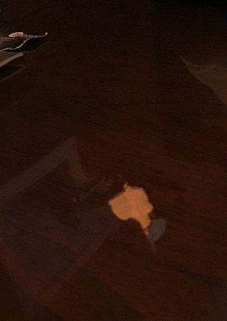 โรยัลโอก, มิชิแกน: Table damage