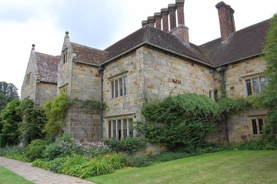 Burwash, UK: Bateman's exterior