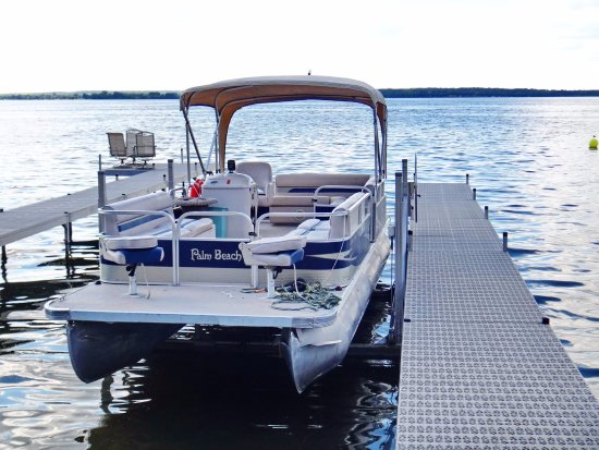 Glenwood, MN: pontoon