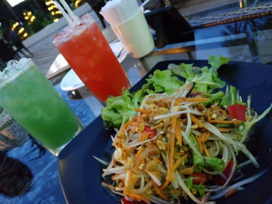 Ramayana Koh Chang Resort: papaya salad from restaurant