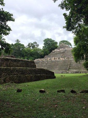 Mariposa Jungle Lodge: Local ruins