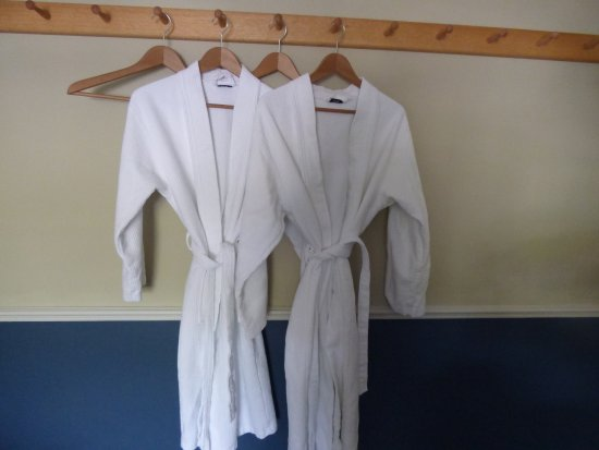 Coombe Barton Inn: robes provided to walk to the bathroom