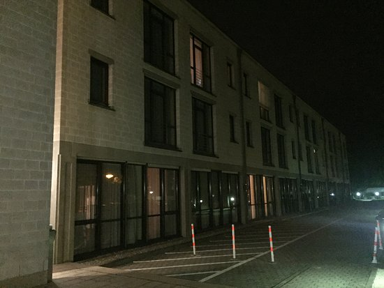 Unterhaching, Niemcy: Hotel Outer at Night