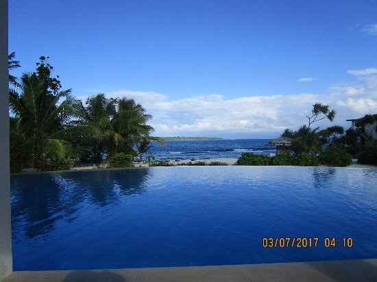 Nasama Resort : Infinity pool with a view