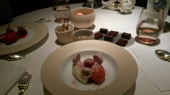 Alain Ducasse at The Dorchester: Contemporary vacherin
