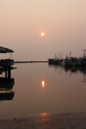 Smokey sunset by the lund harbour. (You've gotta see the views on the charter for yourself! ;)