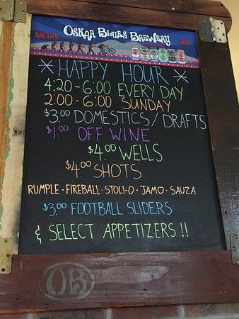Big House Burgers & Bottlecap Bar: Happy Hour