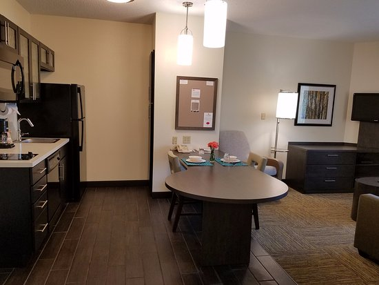 Candlewood Suites East Syracuse - Carrier Circle: One & Two Bedroom Suite