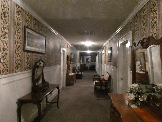 Jefferson, TX: Upstairs corridor
