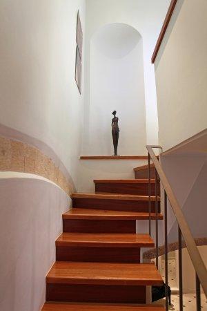 Casa Delfino Hotel & Spa: Staircase to bedroom & terrace