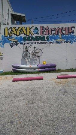 Fort Pierce, FL: Lisa's kayaks store front