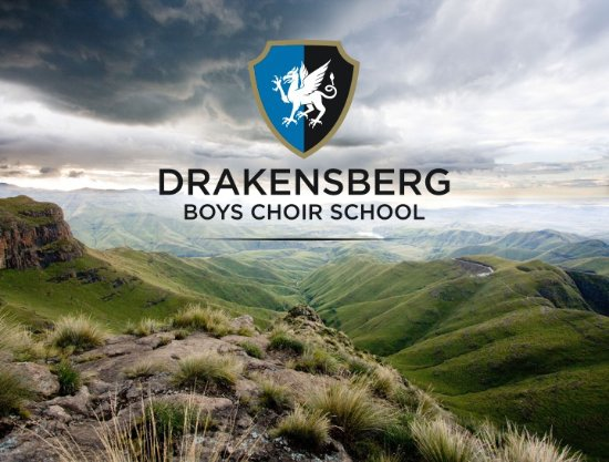 Winterton, Sudáfrica: The Drakensberg Mountains, world heritage site and home of the Drakensberg Boys Choir School.