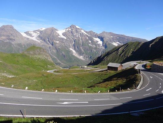 Дорога в Высоких Альпах Гроссглокнер