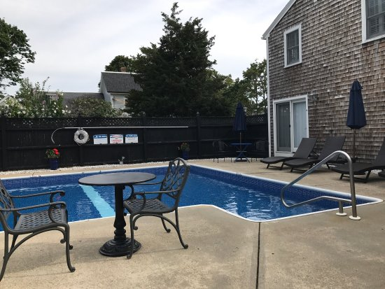 West Harwich, MA: Thanks to innkeepers Stephanie and Mike Hogan for a very welcoming stay!  Our accommodations and