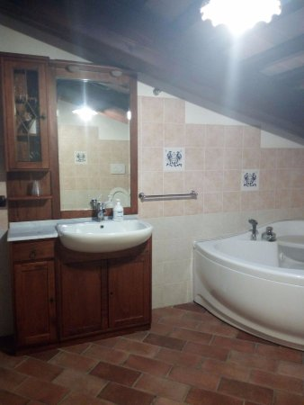 Piandimeleto, อิตาลี: Particolare del bagno