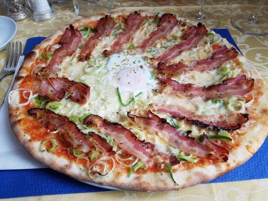 Pfaeffikon, Suíça: Das ist die leckere Bumann- Pizza