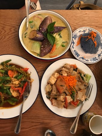 Green Curry Pad Ped Pad Kee Mao Rice Picture Of Farmhouse Kitchen Thai Cuisine Portland Tripadvisor