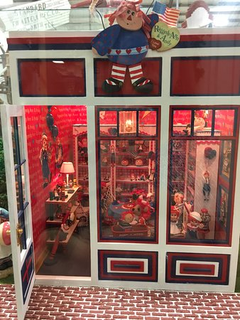 American Wind Power Center: Miniature houses