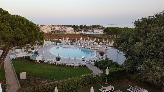 Vecchia piscina da terrazza ristorante - Picture of Park Plaza ...