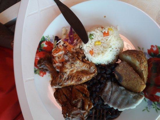 Calibishie, Dominica: Coral Reef Restaurant