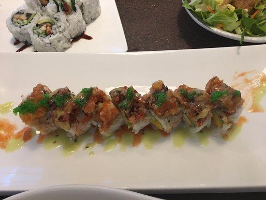 Okotoks, Canada: Deep fried soft crab sushi roll