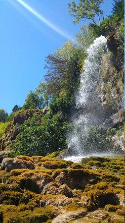 Jardin des fontaines petrifiantes photo de jardin des - Le jardin des fontaines petrifiantes ...