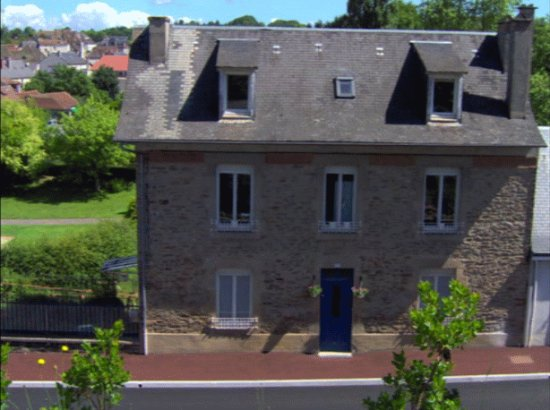 Saint-Yrieix-la-Perche, France : Tea room with B&B rooms on the second floor - perfect for all day English Breakfast!