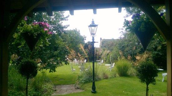 Bosham, UK: Beautiful gardens