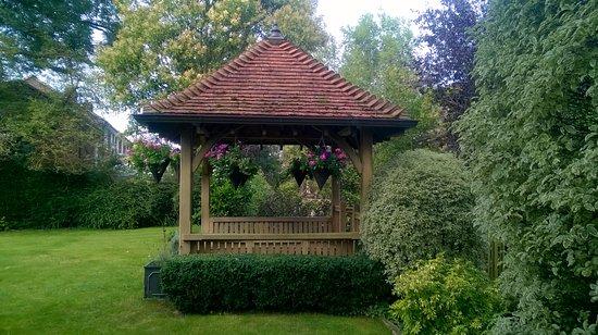 Bosham, UK: The garden