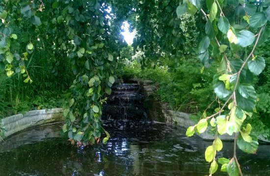 Bosham, UK: Waterfall