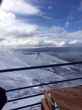 Catedral Alta Patagonis: Lugar mais lindo para Ski perfeito com pista muito boas uma neve perfeita e com uma vista incrív