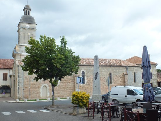 Allemans-du-Dropt, France: L'église Saint Eutrope