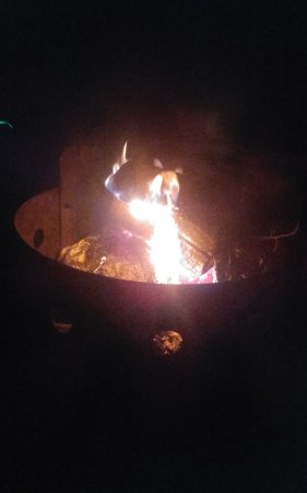 Brighton, Canada : fireside at Presqu'Ile