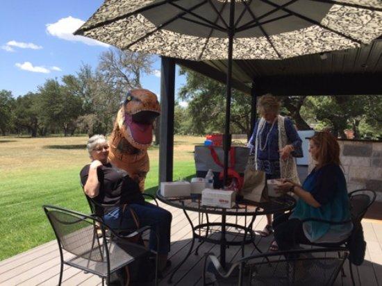 Hye, Техас: TRex needs a lunch break too!