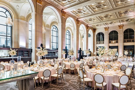 One King West Hotel & Residence: Grand Banking Hall